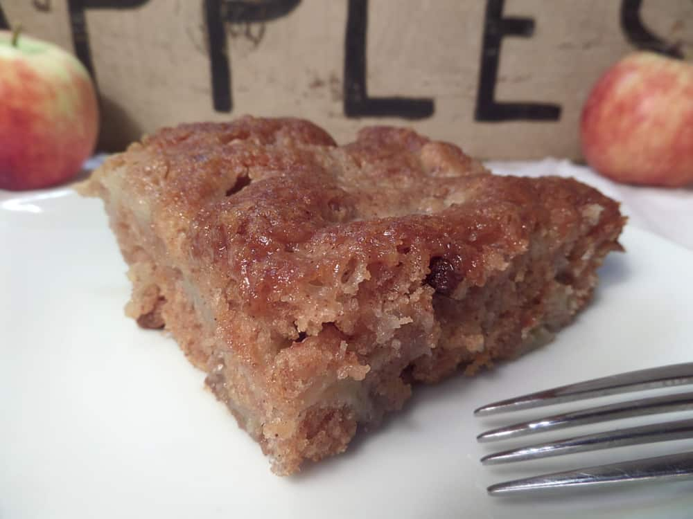 Classic Old Fashioned Apple Cake