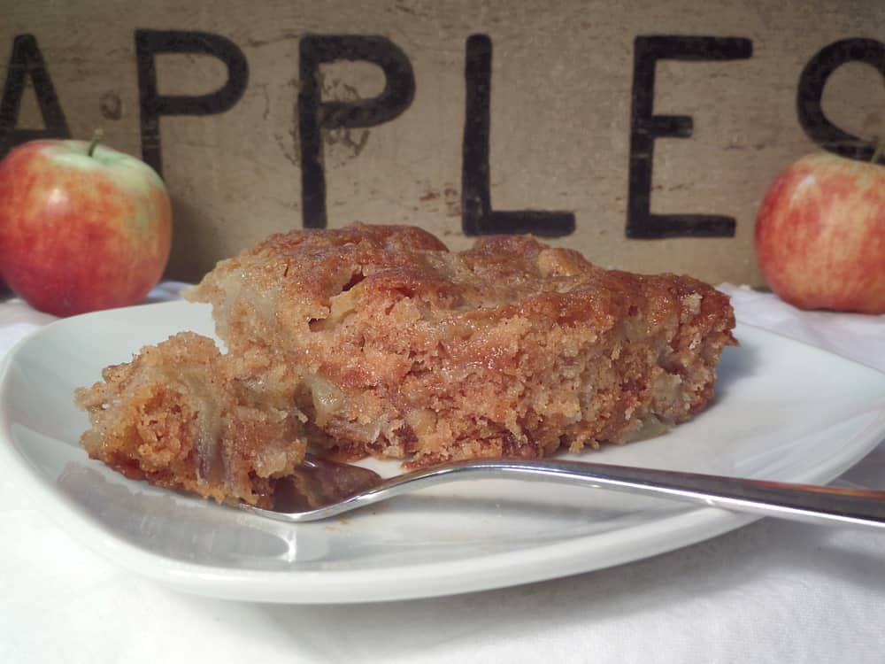 Easy Classic Old Fashioned Apple Cake