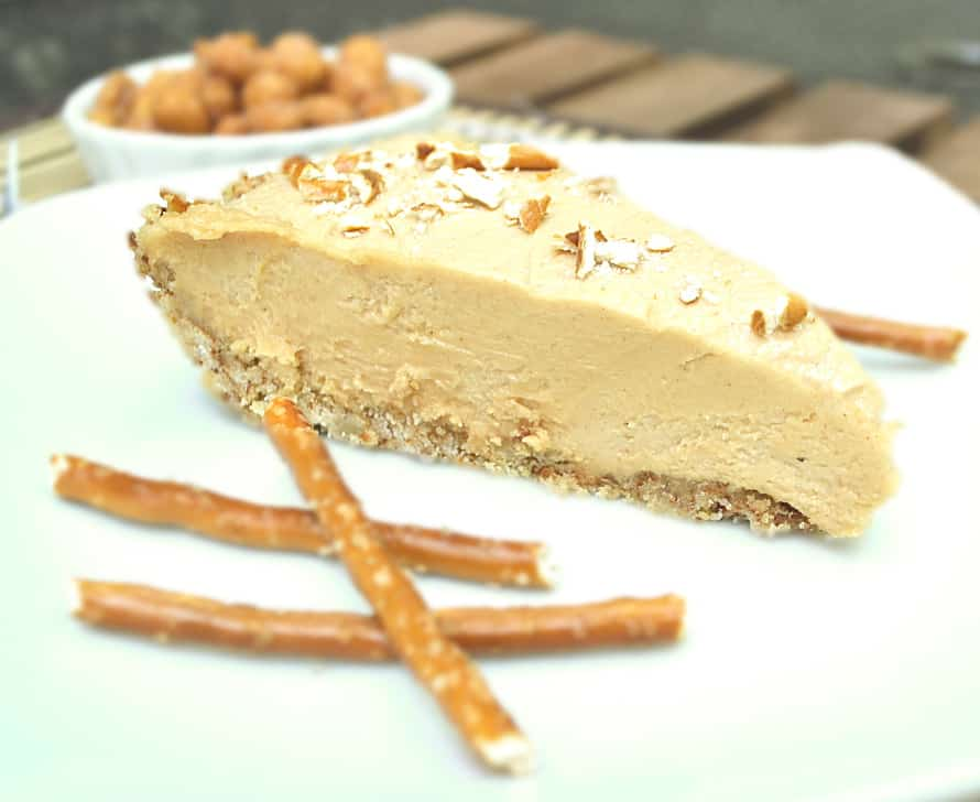 Sweet and salty peanut butter cheesecake pie in a pretzel crust | Rich ...