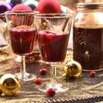 Mulled Cranberry Wine | Warm Spiced Cranberry Wine | Glühwein | www.craftycookingmama.com