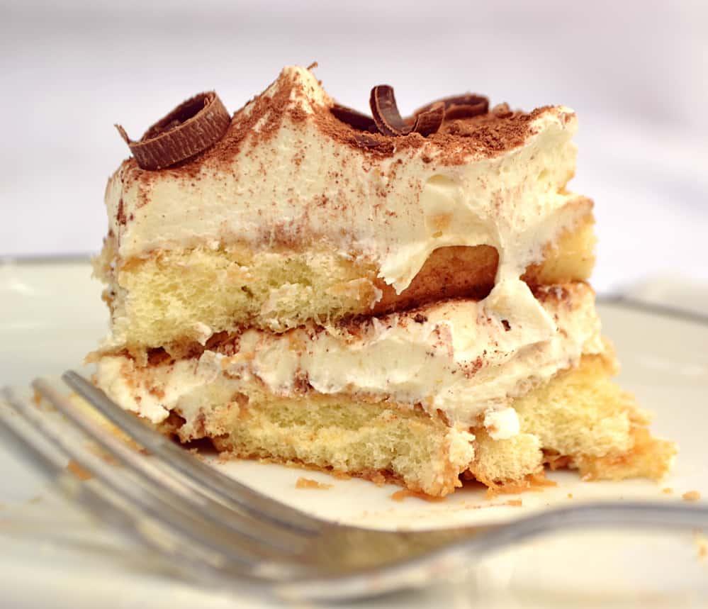 Easy Tiramisu | Made with International Delight Iced Coffee, Kahula, Whipped Cream & Mascarpone | www.craftycookingmama.com | #FoundMyDelight
