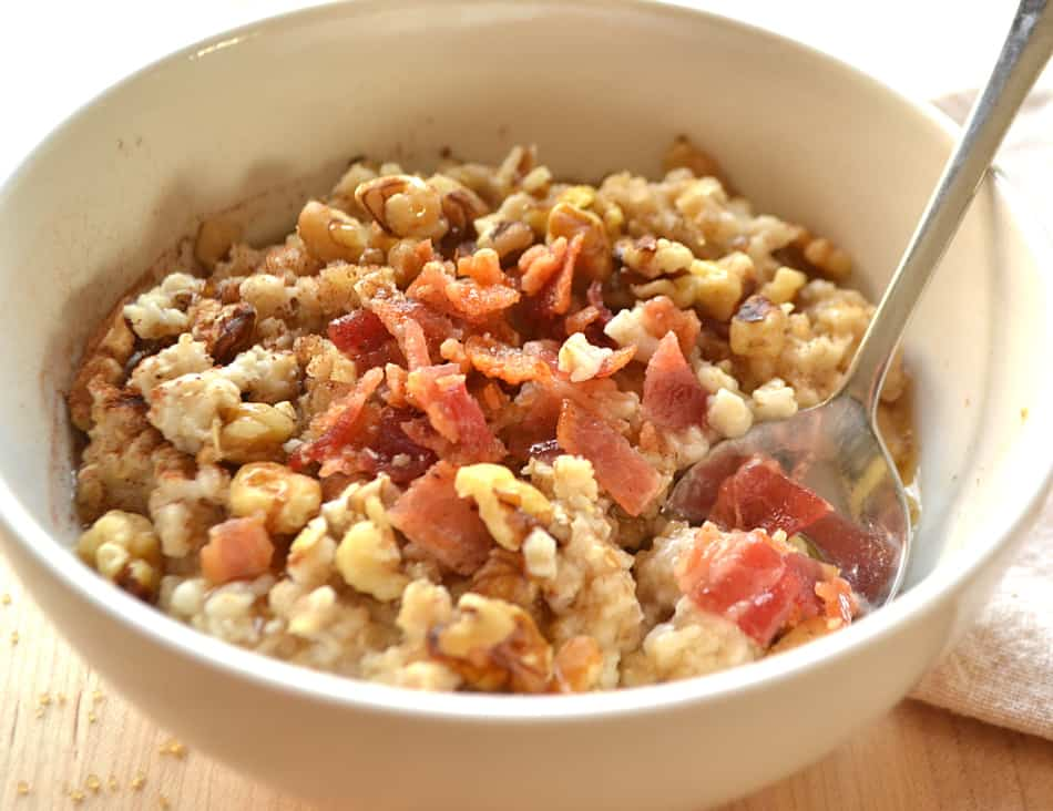 Bacon, Maple, Brown Sugar and Walnut Oats Oatmeal | #BringYourBestBowl | www.craftycookingmama.com