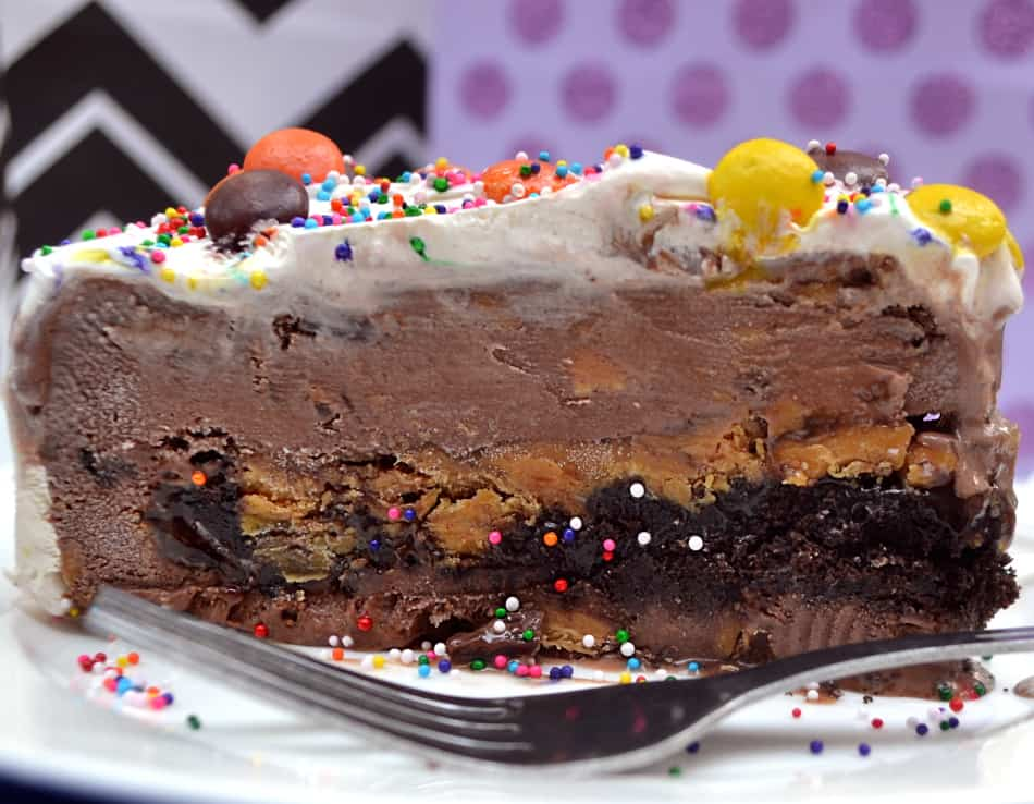 Chocolate Peanut Butter Ice Cream Cake | www.craftycookingmama.com