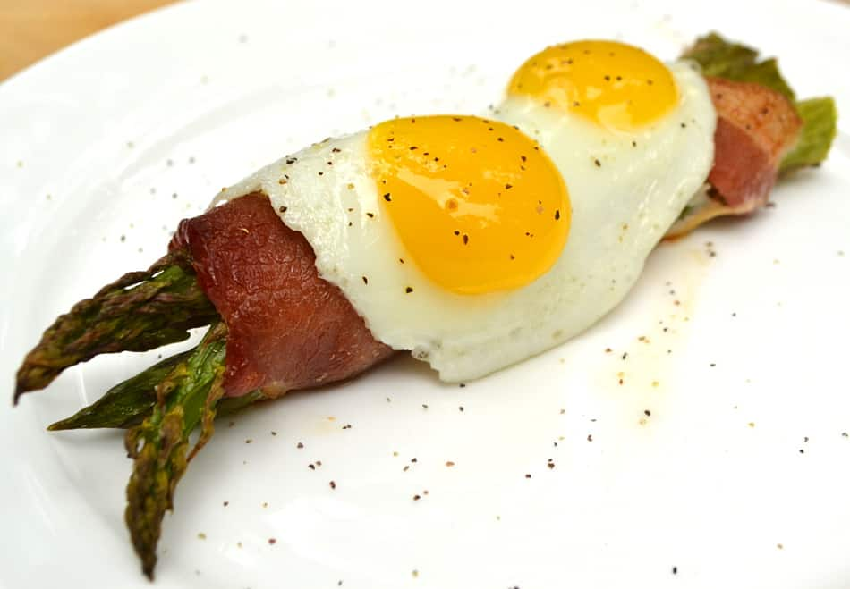 Bacon Wrapped Asparagus Bundles Topped with Sunnyside-up Quail Eggs | www.craftycookingmama.com