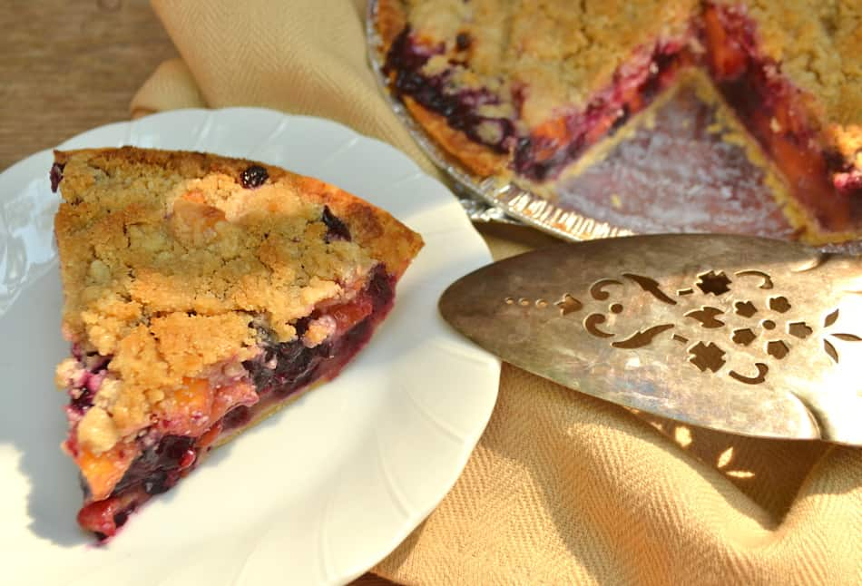 Fresh Peach Blueberry Pie with Crumble Topping | www.craftycookingmama.com