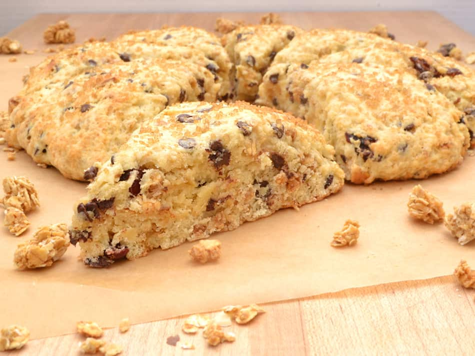 Chocolate Chip Granola Breakfast Scones | www.craftycookingmama.com