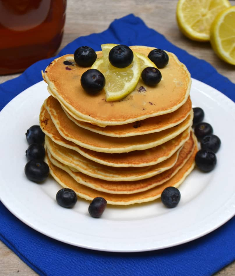 Blueberry & Lemon Olive Oil Pancakes made with Pomora Olive Oil | www.craftycookingmama.com