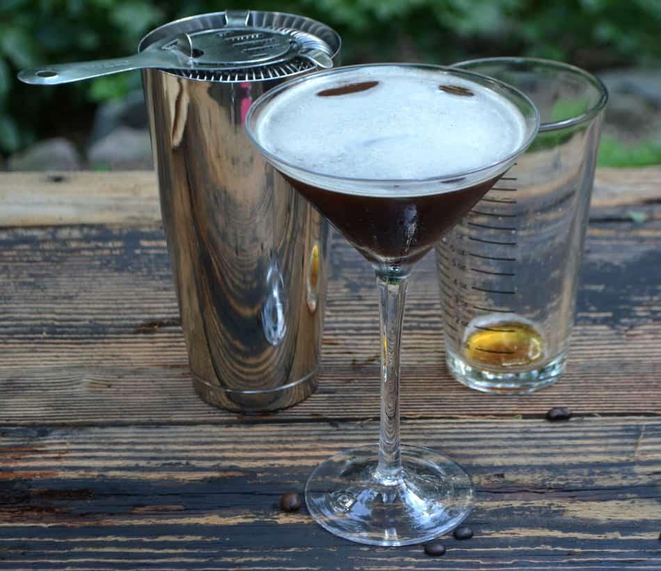 Espresso Martini | www.craftycookingmama.com