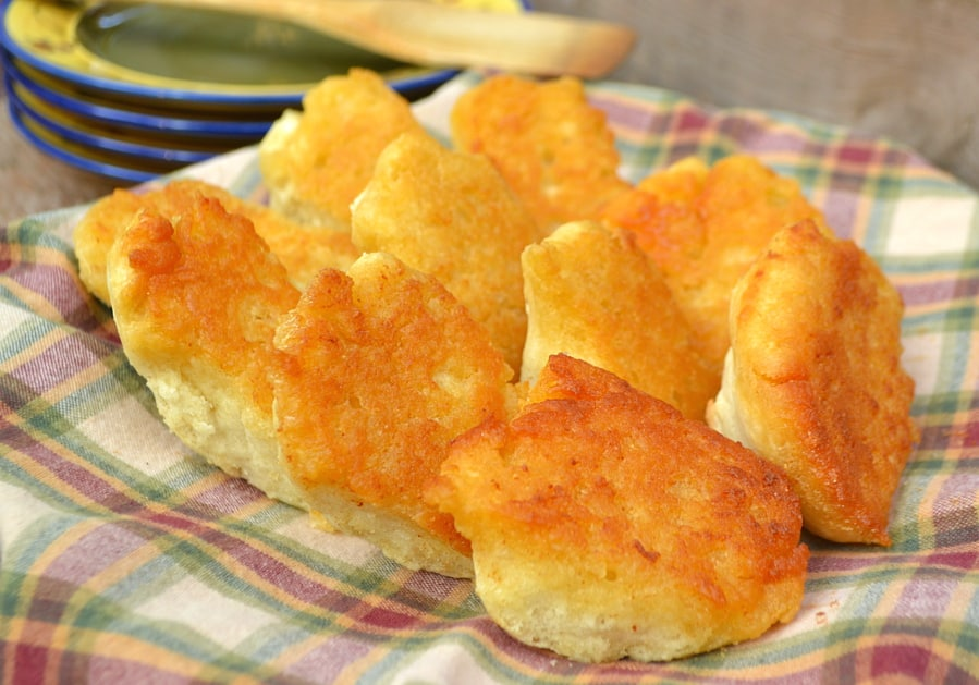 Butter Dipped Biscuits | Drop biscuits baked in a layer of buttery goodness | Every biscuit & butter lovers delight | Quick, easy and delicious | craftycookingmama.com