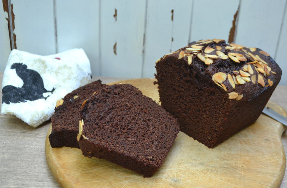 Moist Chocolate Banana Quick Bread | www.craftycookingmama.com