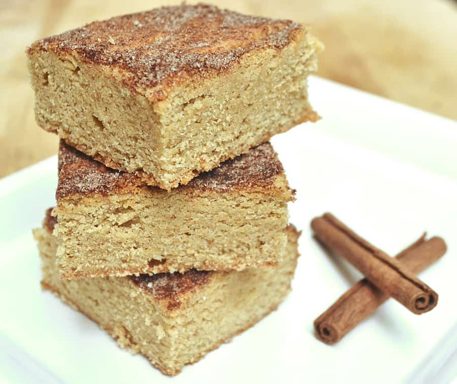 Soft, Chewy & Delicious Snickerdoodle Cookie Bars / Blondies | Quick & Easy to Make | craftycookingmama.com
