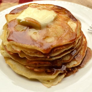 Apple Cider Syrup   DIY Easy to Make Homemade Breakfast Pancake Syrup   Apple Pancake Waffle Syrup   www.craftycookingmama.com