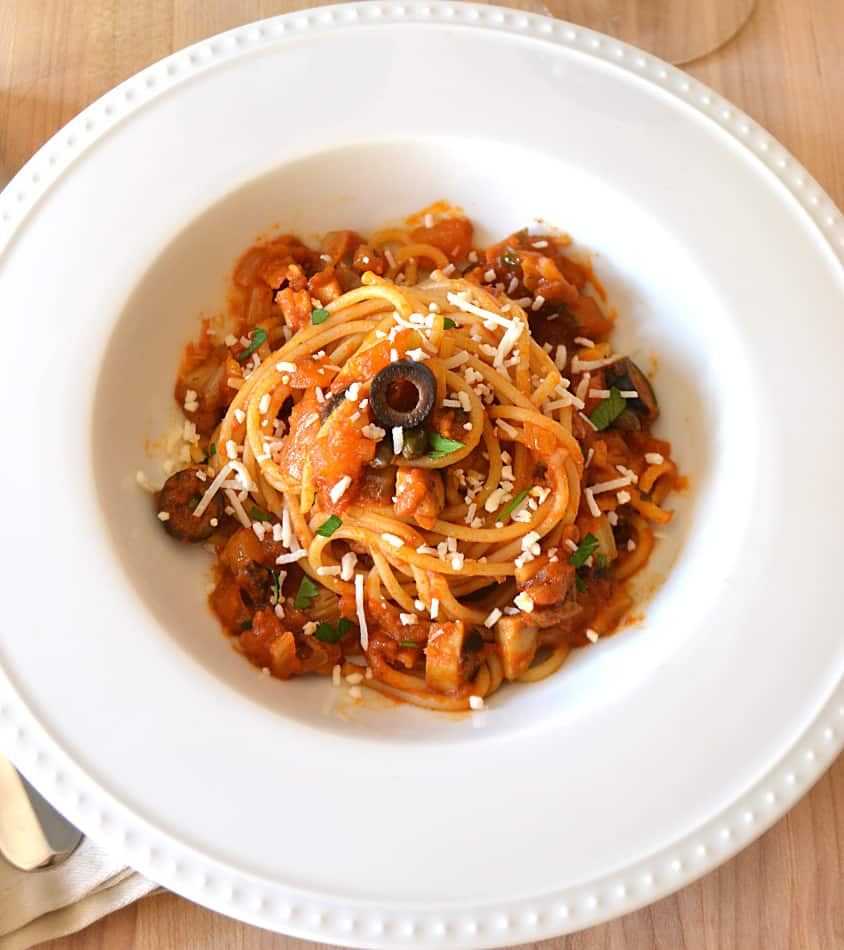Spaghetti Puttanesca Sauce | Classic Authentic Puttanesca with Fennel, Onions & Mushrooms | Quick, Easy, Delicious | www.craftycookingmama.com