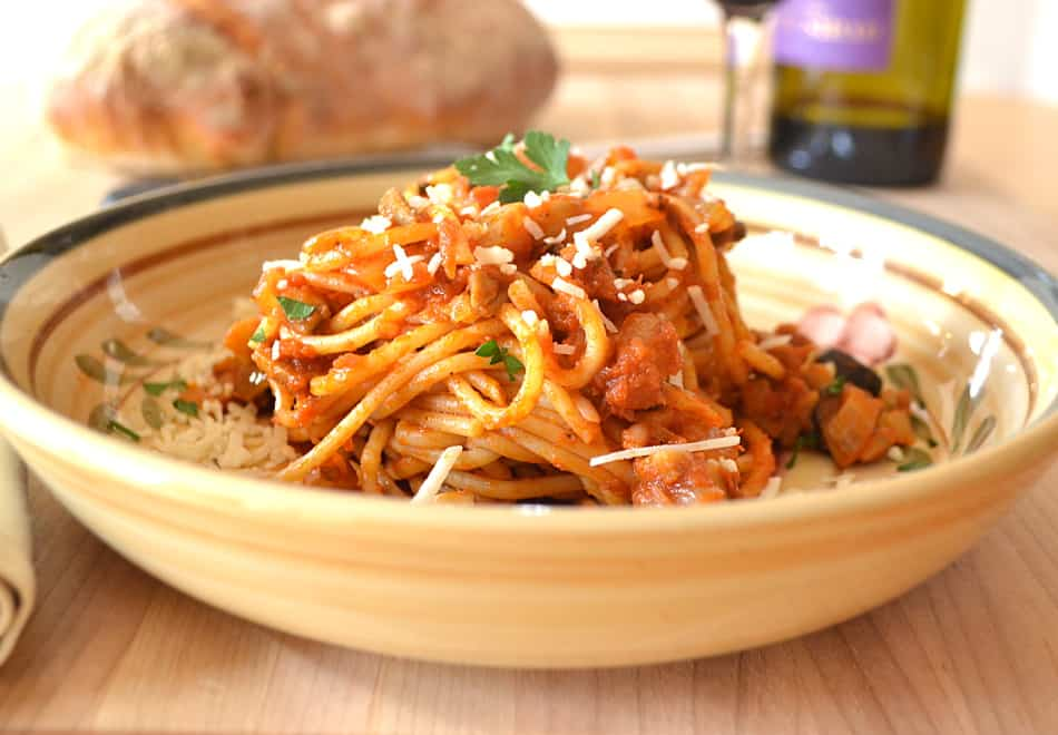 Spaghetti Puttanesca Sauce | Classic Authentic Puttanesca with Fennel, Onions & Mushrooms | Quick, Easy, Delicious | www.craftycookingmama.com