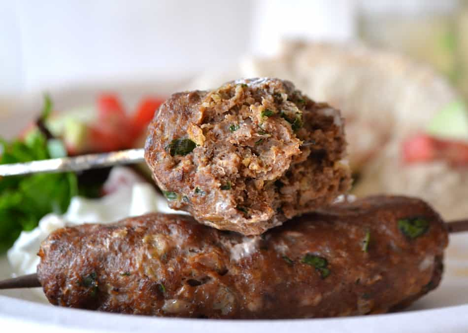 Kefta Kabobs with Tzatziki Sauce | Ground Turkey Kefta Kabobs | www.craftycookingmama.com