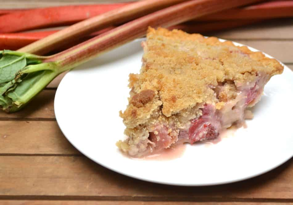 A sweet and simple French Strawberry Rhubarb Pie with a crumb topping | www.craftycookingmama.com