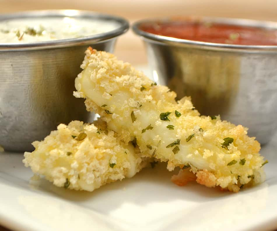 """Unfried"" Baked Mozzarella Sticks - crunchy & gooey cheesy goodness without the guilt. Yay for healthy snacking! 