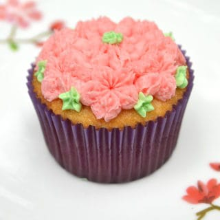 Vanilla Cupcakes, Buttercream Frosting & beautiful decorating with Russian Style Piping Tips. Bakery style cupcakes at home   www.craftycookingmama.com