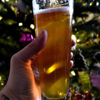 A sweet & simple honey beer made with Bärenjäger. Made with your favorite ale and a German honey liquor so sweet it brings the bears out | www.craftycookingmama.com