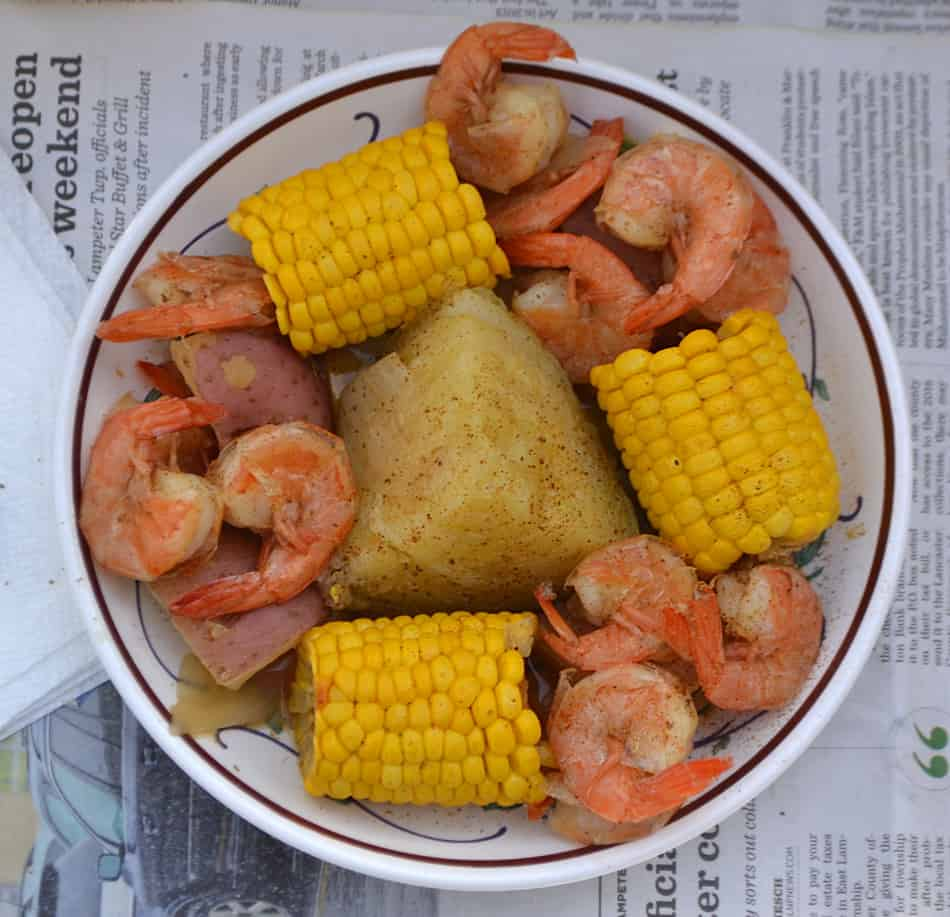 Beer-Boiled Shrimp & Corn Boil | Sunshine Sweet Corn | www.craftycookingmama.com