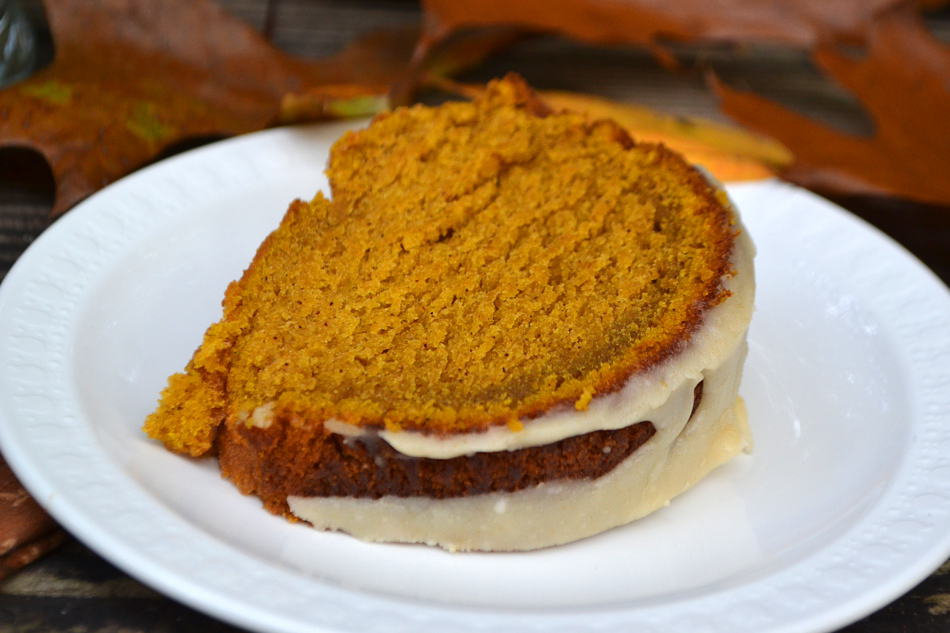 Pumpkin Bundt Cake with Brown Butter Icing Drizzle | www.craftycookingmama.com