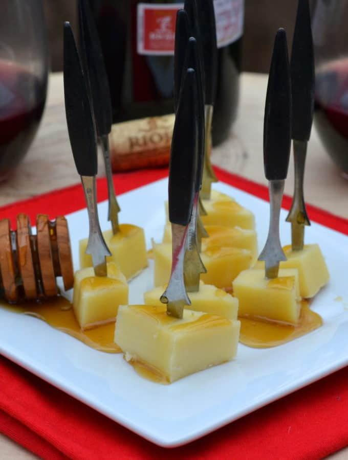 IntroducingMahon-Menorca Cheese from the Island of Menorca! Find some new taste inspiration - plus wine pairings & tapas | www.craftycookingmama.com
