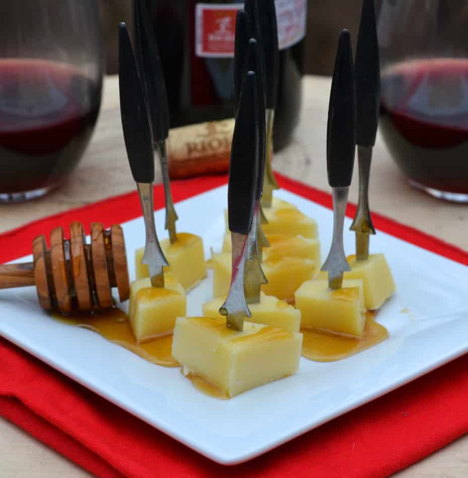 Introducing Mahon-Menorca Cheese from the Island of Menorca!  Find some new taste inspiration - plus wine pairings & tapas | www.craftycookingmama.com